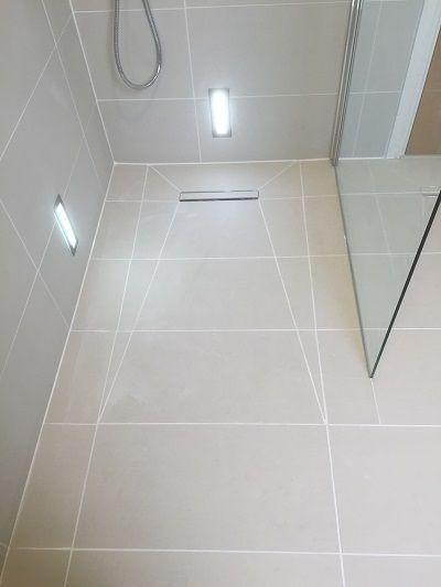 Former Tiling Badroom In 2020 Small Bathroom Bathroom Lighting