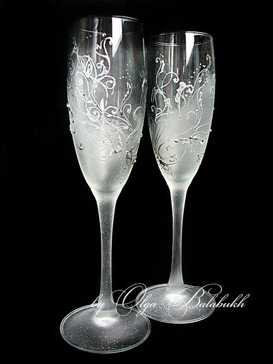 Frosty Wedding Champagne Glasses Hand Painted Silver Wedding Toasting Flutes Rhinestones Winter