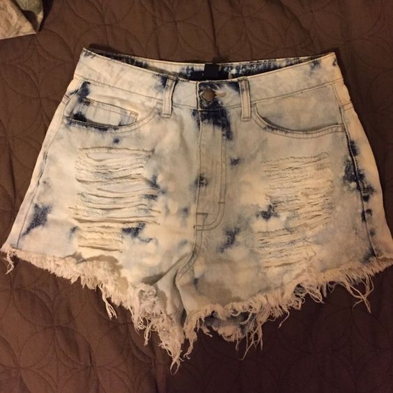 High waist shorts Bleached high waist shorts  super cute. Size medium. Forever 21 Shorts Jean Shorts