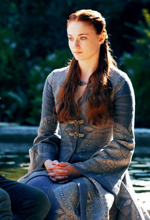 Love that shae basically put sansa in a chastity belt outfit for her