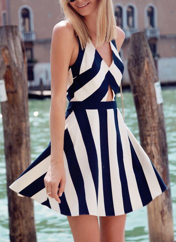 Vestido con vuelo rayas sin mangas-blanco y azul marino 17.47: