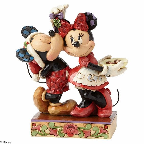 Mickey and Minnie Mouse Figurine - Under the Mistletoe: Disney Traditions Jim Shore #FineGifts #DisplayGiftFigurines