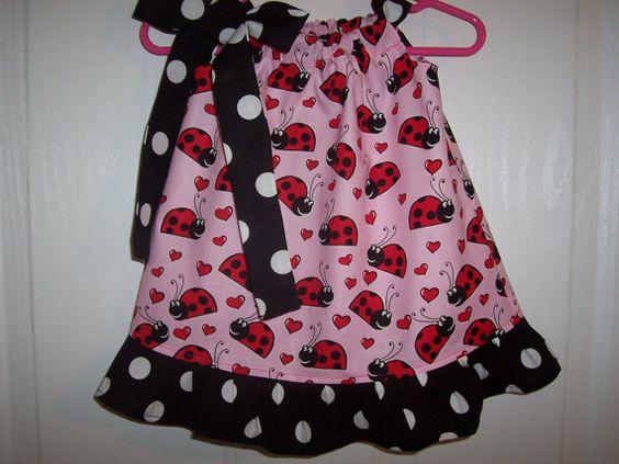 Las niñas de Mariquita rosa Vestido de funda de por RaDzaeDezynes