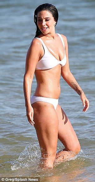Tulisa flaunts her body in white bikini during Portugal holiday | Daily Mail Online