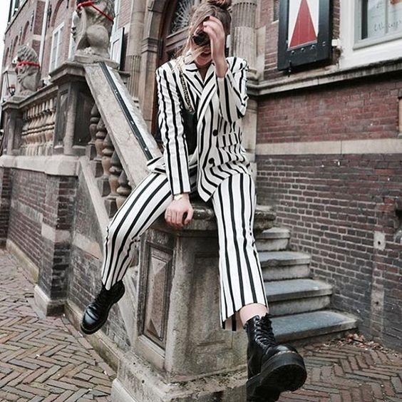 Reposting @fashion_style_and_chic: ongratulations 💜💜💜📍🖋✒️🖋✒️📍📍Photo Personal Style....una imagen dice mucho.$$$ #model #fashion #instafashion #style #colors #luxury #love #instagood #photooftheday #beautiful #cute #like4like #me #follow4follow #followme #art #girl #fun #instalike #pretty #mujeresconestilo #fashionista #glam #womanstyle #mujer #beauty #moda #ootdside #lifestyle @hannahakinyemi ❤ @women_fashion.blog ❤ @fashionstyle_lover ❤ @luxstreetstyle_fashion ❤ @magicfashion_world ❤