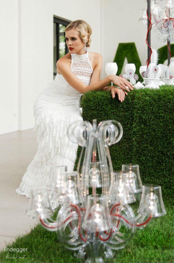 Coco – Brautkleid in Spitze mit 20er Jahre Flair Dekoration und Konzept: [blickfang] Event Design