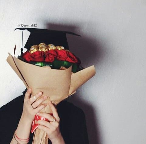 Image Discovered By Unknown Gurl22 Find Images And Videos About Cute Beautiful And Black On We Hea In 2021 Graduation Girl Graduation Photoshoot Graduation Pictures