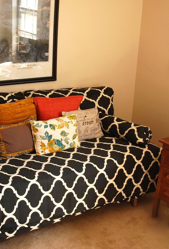Throw Pillows For Twin Bed : Twin bed made to look like a couch!!! Do this by making extra thick back pillows to place ...