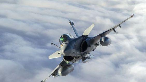French Armée de l'Air Dassault Rafale. ✏✏✏✏✏✏✏✏✏✏✏✏✏✏✏✏ IDEE CADEAU / CUTE GIFT IDEA  ☞ http://gabyfeeriefr.tumblr.com/archive ✏✏✏✏✏✏✏✏✏✏✏✏✏✏✏✏