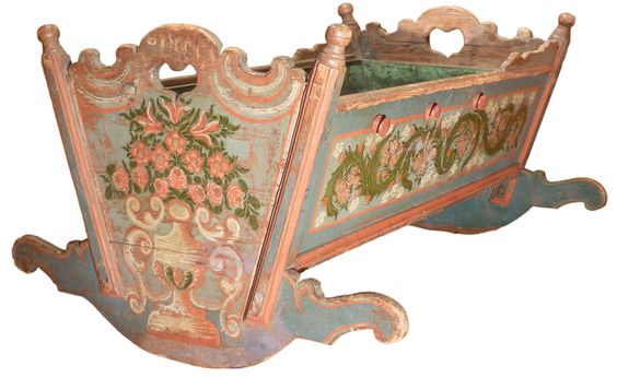 Antique tyrolean cradle http://www.antichitamissaglia.it/galleria/varie/v60-antica-culla-dipinta-tirolese.html