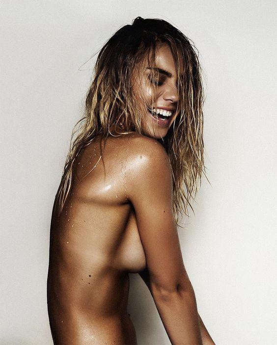 Elyse Nude 20