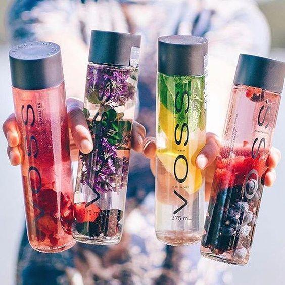 VOSS Fruit infusion @paulpayasalad #voss #vosswater #vossnederland #detox #fruit #infusion #DetoxWaterCayennePepper