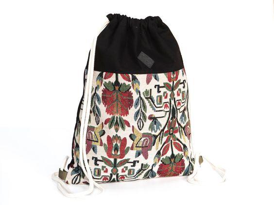 Rucksack, Blumen Turnbeutel,Canvas Tasche, Blumen, Ethno, bunt, vegan, Gobelin, Beutel von Herdentier auf Etsy https://www.etsy.com/de/listing/258155706/rucksack-blumen-turnbeutelcanvas-tasche
