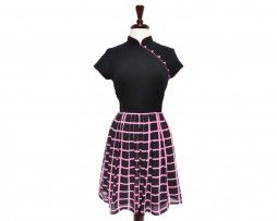 Can't go wrong with this pink and black modern qipao!