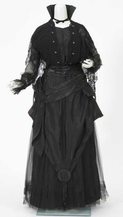 1910s dress http://collections.mnhs.org/cms/largerimage.php?irn=10016796=10283478