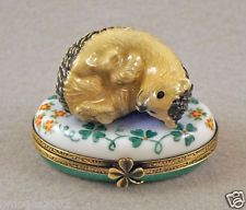 NEW HAND PAINTED FRENCH LIMOGES BOX CUTE HEDGEHOG RESTING ON FLOWERS
