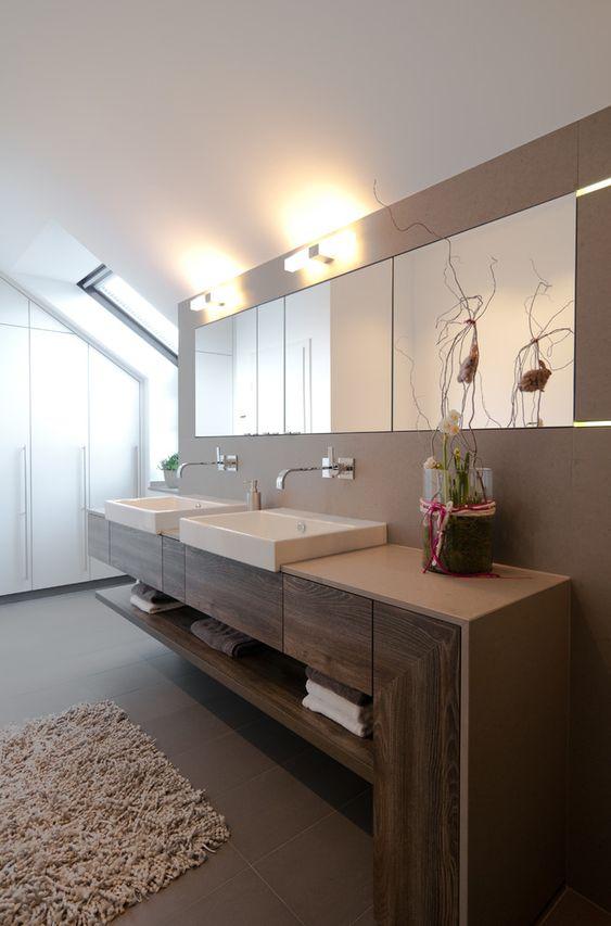 Schlafzimmer Einbauschrank Im Modern Badezimmer Mit Doppeltes ... Schlafzimmer Modern Mit Badezimmer