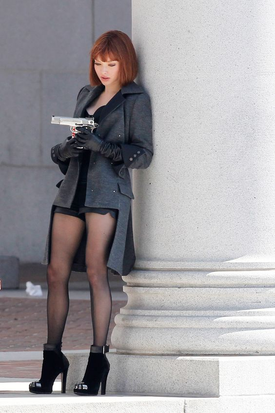 amanda seyfried in time the coat the legs the gloves