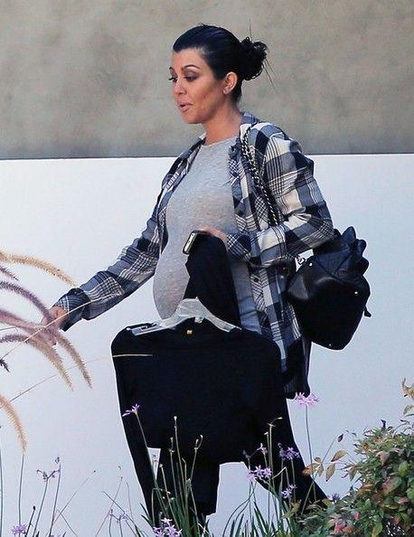 Kourtney Kardashian Photos: Kourtney Kardashian and Scott Disick Leave a Friend's House