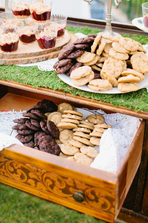 #cookies, #dessert  Photography: Mason And Megan Photography - masonandmegan.com  Read More: http://www.stylemepretty.com/2014/03/27/whimsical-woodland-garden-wedding/