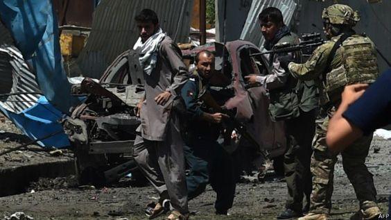Afganistán: caos por continuos ataques en Kabul