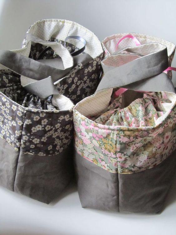 Sac patron maison lin toto tissu mini pois mondial tissus et liberty thorpe et mits - Tuto sac tricot en tissu ...