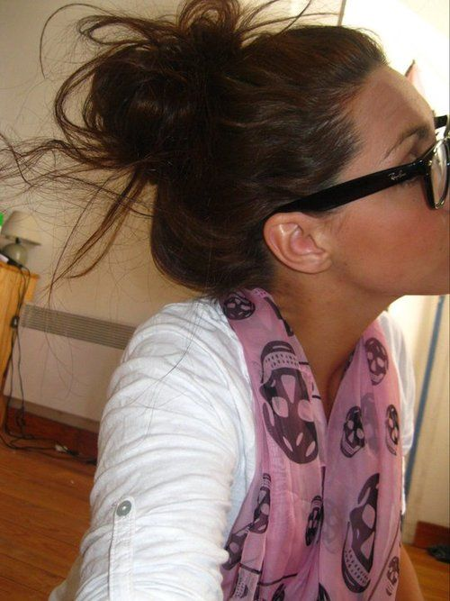 Strange Messy Buns Buns And Cute Messy Buns On Pinterest Hairstyles For Women Draintrainus