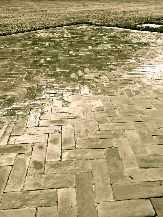Bejmate marocain pose en chevrons carrelage en terre for Carrelage terre cuite exterieur