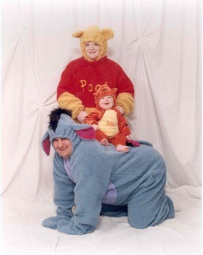 Very Awkward family photo  This just made my night