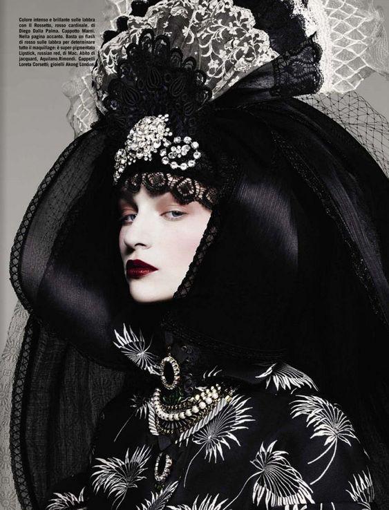 http://jetsetfashionmagazine.com/wordpress/wp-content/uploads/2012/11/06-Vogue-Italia.jpg