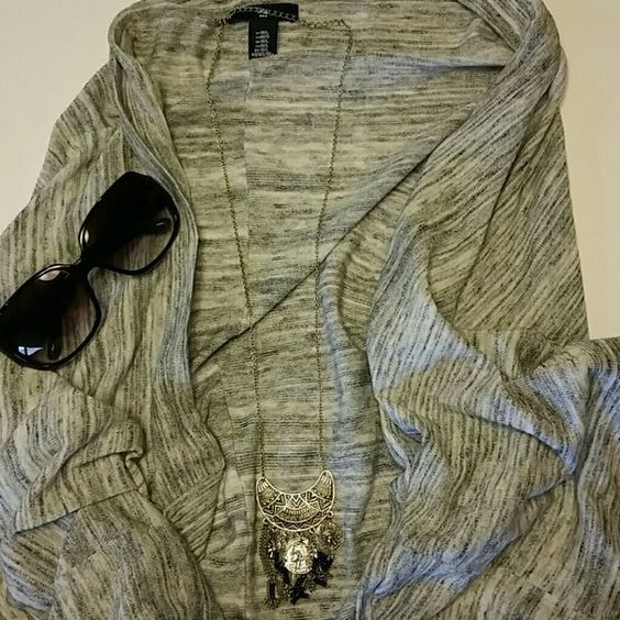 GAP Marbled Cocoon Cardigan Comfy shape wraps around the body with open front, heathered gray with 3/4 sleeves. M/L GAP Sweaters Cardigans