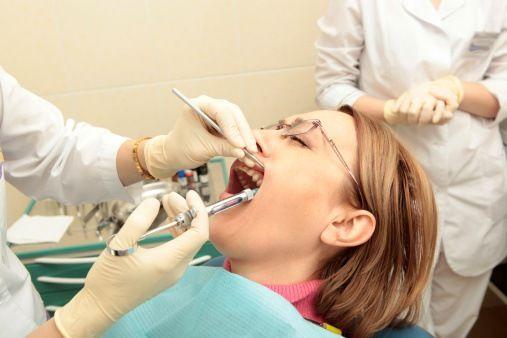 mutuelle dentaire sans plafond est une mutuelle plus coûteuse, elle remboursé 800% du tarif de convention pour le traitement des dents, et 600% pour des implants,  elle couvrir les frais buccodentaires non acceptés par la sécurité sociale. http://www.devis-mutuelle-dentaire.fr/mutuelle-dentaire-sans-plafond.aspx