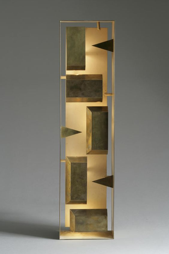Gio Ponti; Brass and Enameled Brass 'Fato' Wall Light for Arredoluce, 1967.