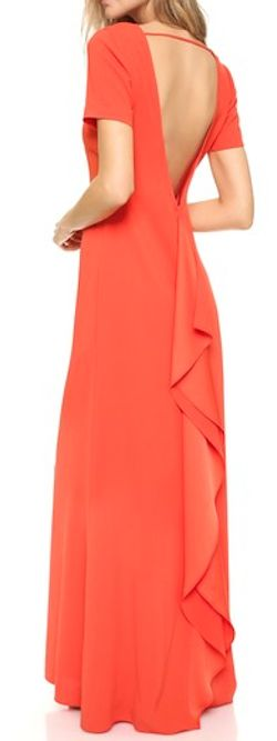 beautiful back to this maxi dress