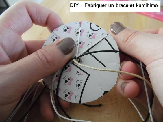 diy fabriquer un bracelet kumihimo partir de 6 ans activites faites pinterest. Black Bedroom Furniture Sets. Home Design Ideas