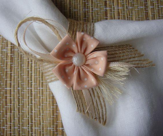 Flor de fuxico passo a passo - http://www.comofazer.org/outros/flor-de-fuxico-passo-passo/