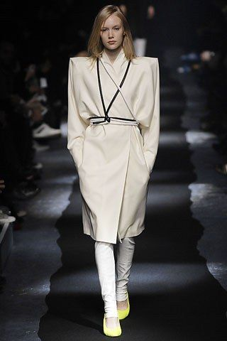 Maison Margiela Fall 2007 Ready-to-Wear Fashion Show - Nora Blumer (STUDIO)