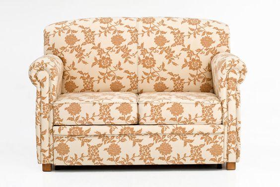 Sofá cama pequeño y clásico, jergón de madera