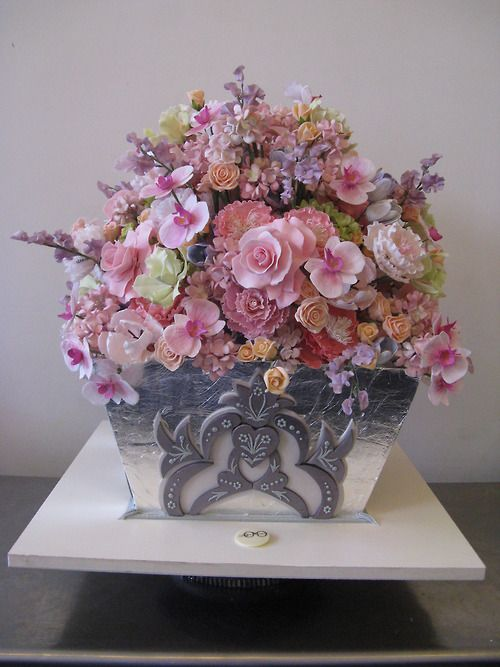 ... cakes beautiful cakes and more flower cakes sugar flowers vase silver
