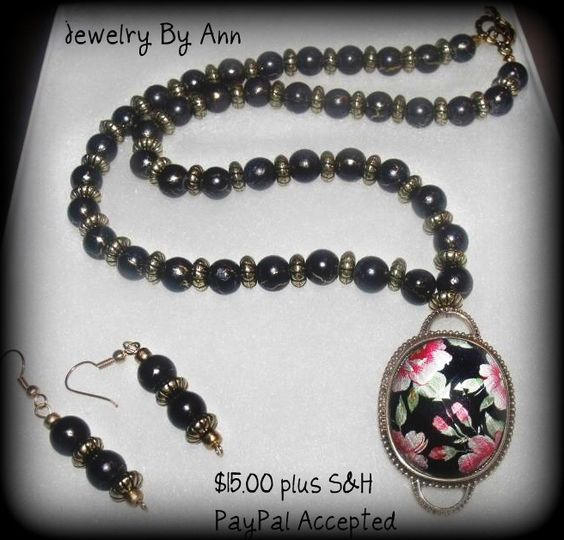 Gorgeous set made my Ann Ray. Unique and Classy. $15.00 Contact info: mailto:annray253@... & 229-460-0051