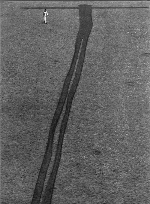 James Lee Byars - Extra Terrestrial.  Shadow of an Extra Terrestrial Man - 1976. S)