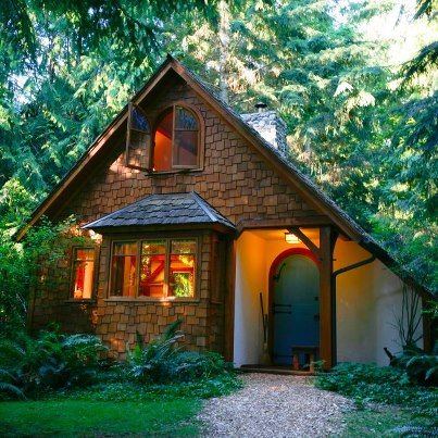 Willow cottage at hedgebrook writers retreat on whidbey for Writers retreat cabin