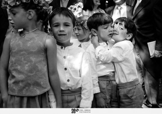Reportage de la cérémonie catholique d'un mariage franco iranien à l'église Sainte Claire d'Escoublac - portrait d'enfants