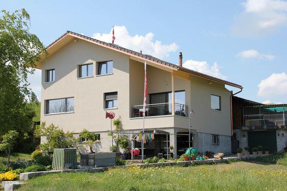 Erstes zertifiziertes Schweizer Holzhaus in der Region Oberer Zürichsee.