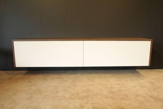 Moderne design meubelen op maat gemaakt maatwerk in zwevende hangende tv audio meubels kasten en