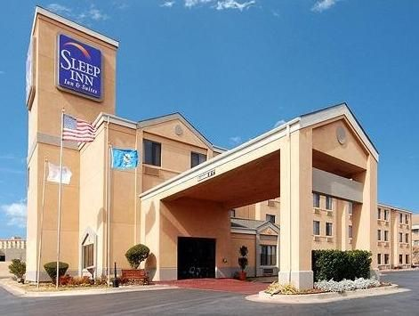 Tulsa (OK) Sleep Inn and Suites Central I44 Tulsa United States, North America Sleep Inn and Suites Central I44 Tulsa is perfectly located for both business and leisure guests in Tulsa (OK). The hotel offers a high standard of service and amenities to suit the individual needs of all travelers. All the necessary facilities, including 24-hour front desk, facilities for disabled guests, express check-in/check-out, luggage storage, Wi-Fi in public areas, are at hand. All rooms ar...