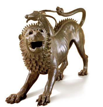 La quimera de Arezo, fechada entre 380y 350 a.C. según la mitología romana, fue abatida por Belerofonte, a lomos de su caballo pegaso. Tras su descubrimiento en 1553 en arezzo, se convirtió en símbolo del nacionalismo toscano. Hoy se encuentra en el museo arqueologico de florencia.