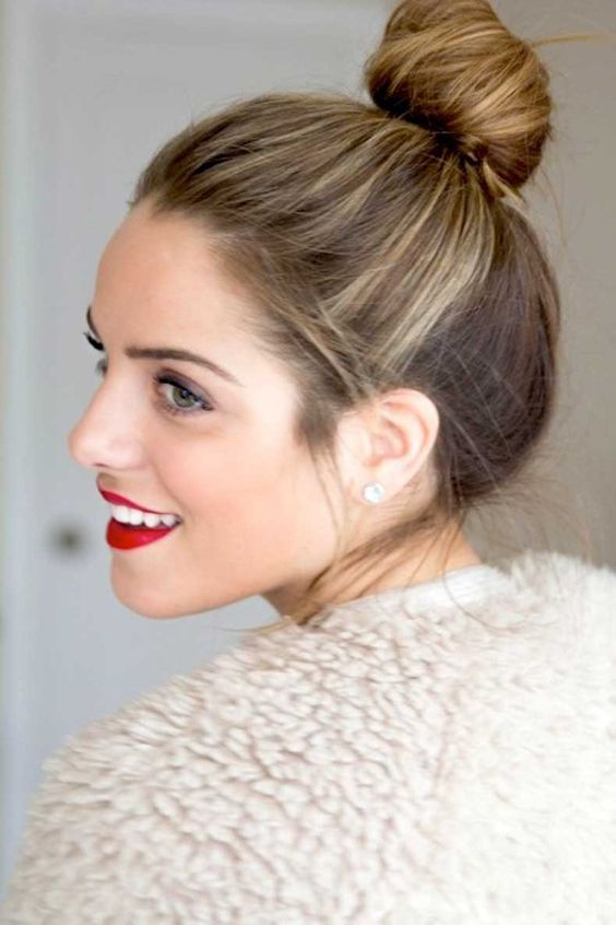 1-Le-Fashion-Blog-15-Crazy-Cool-Top-Knots-Bun-Up-Do-Hair-Hairstyle-Inspiration-Red-Lips-Blogger-Gal-Meets-Glam: