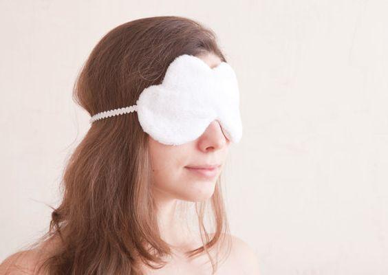 Masque de nuit nuage blanc par JuliaWine sur Etsy