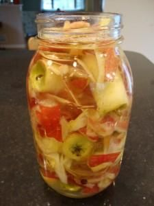 How to Make Your Own Apple Cider Vinegar - The healthiest, most practical recipe I've seen in a long time.  Must try soon!
